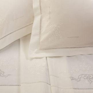lenzuola matrimoniali ricamate sfilato