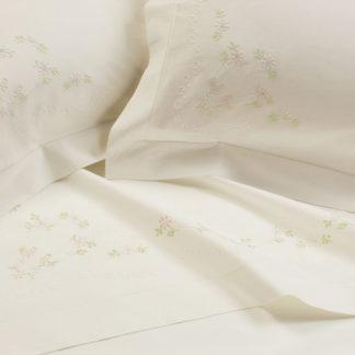 lenzuola matrimoniali ricamate fiorellini