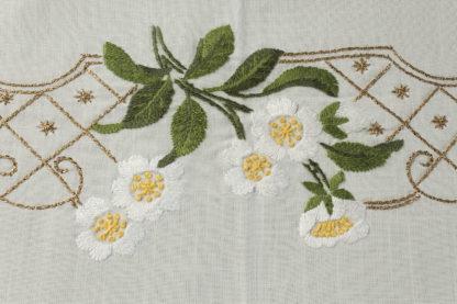 tovaglia ricamata floreale