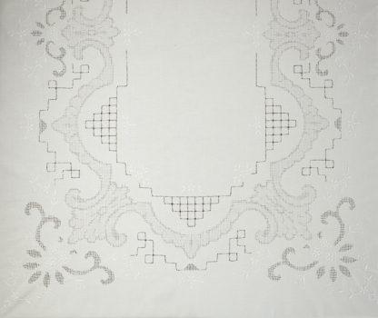 tovaglia bianca cotone ricamata sfilato ombra